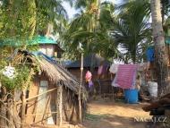 Chatrče. Život v Indii. Agonda, Goa