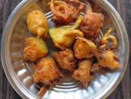 Bhajiya, indické jídlo. Agonda, Goa
