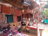 Obchod s textilem. Arambol, Goa, Indie
