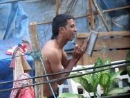 Ranní hygiena v Calangute, Goa - Indie