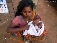 Indická žena s dítěten v Calangute, Goa - Indie