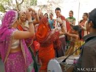 Tanec. Petra kvarcakova.  Jaipur, Rajasthan, Indie