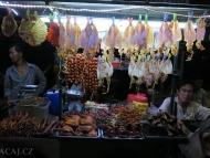 Pouliční jídlo. Sihanoukville, Kambodža