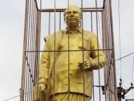 Pozlacená socha. Kanyakumari, Tamil Nadu