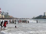 Indové v moři. Kovalam Bech. Kerala, Indie