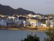 U jezera. Pushkar, Rajastan, Indie