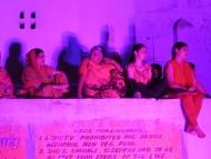 Ženy na Ghats. Pushkar, Rajastan, Indie