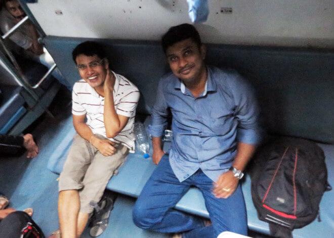 Spolucestující v Indickém vlaku